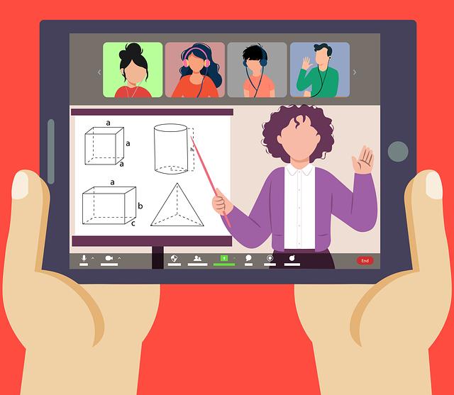 الفصول الافتراضية أم الفصول الحقيقية - معلم أونلاين يشرح الدرس للطلاب - فصل افتراضي